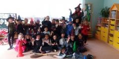 Čarodějové a čarodějnice z Oranžové třídy
