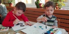 Červeňáčci malují